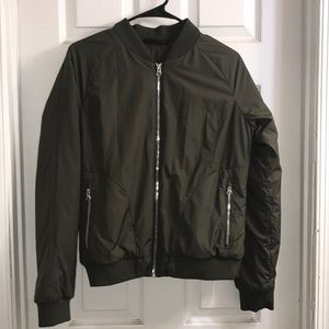 Gently Used Women's North Face Bomber Jacket